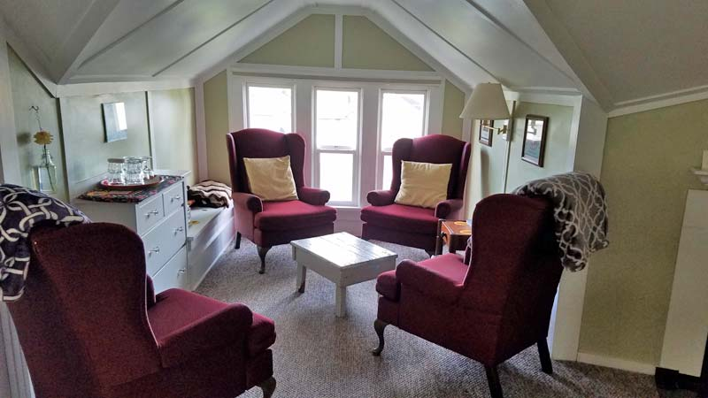 Inspiration Suite Sitting - Rose River Inn